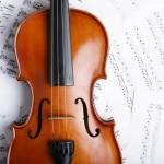 バイオリンを持ち帰って家で練習すれば上達に近づきます