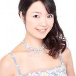 品川のピアノ講師、中村先生。笑顔が素敵でたくさんの生徒さんから支持されている人気講師。